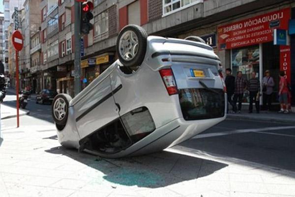 accidente coche sin carnet